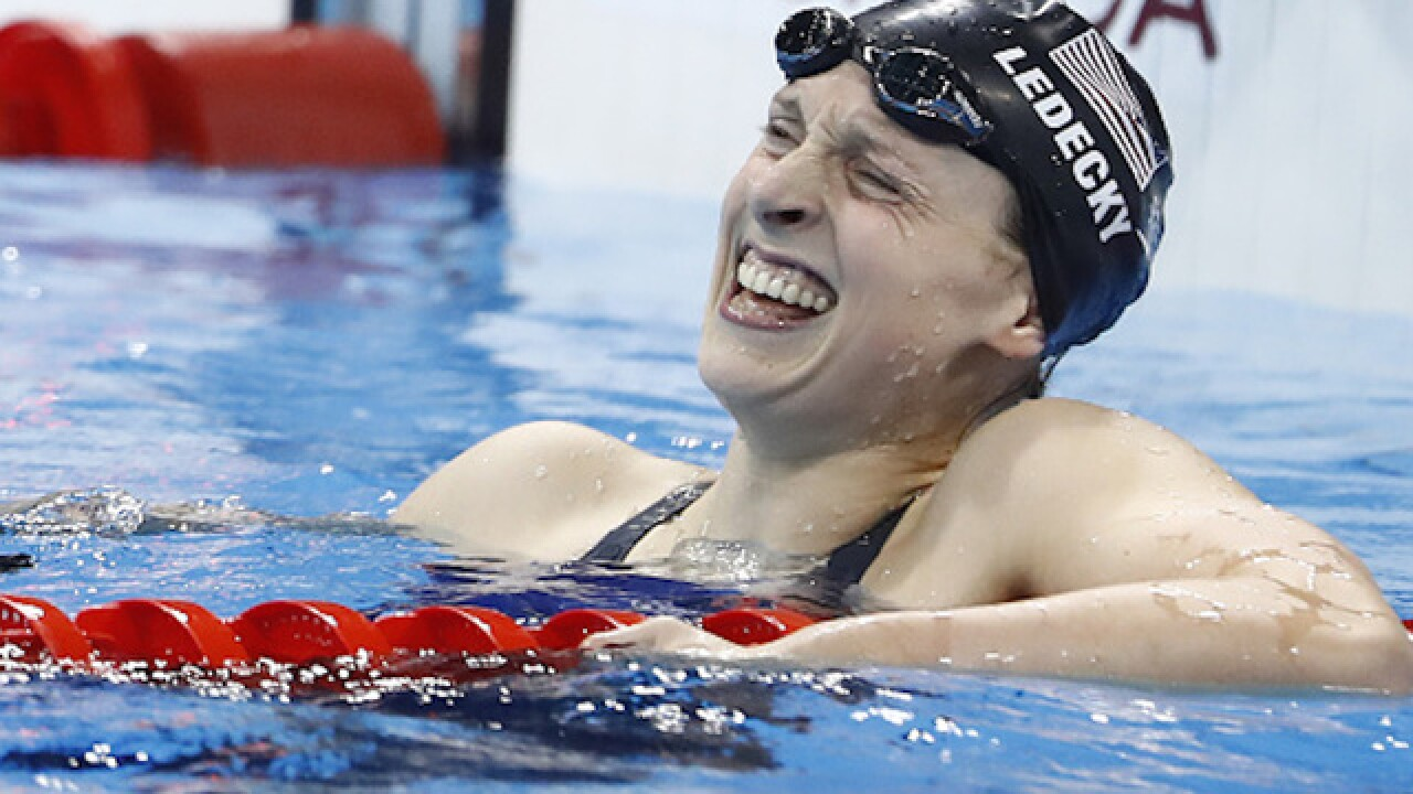 Katie Ledecky breaks 800m world record; wins fourth gold