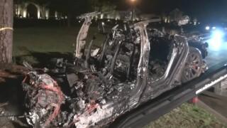 driverless-tesla-crash.jpg