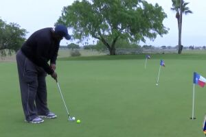 Golf courses remain open during social distancing