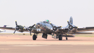 WWII B-17 arrives in Great Falls for tours and rides