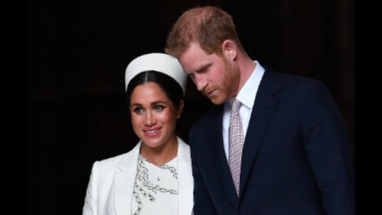 Harry and Meghan to step back from 'senior' roles in royal family, work to become 'financially independent'