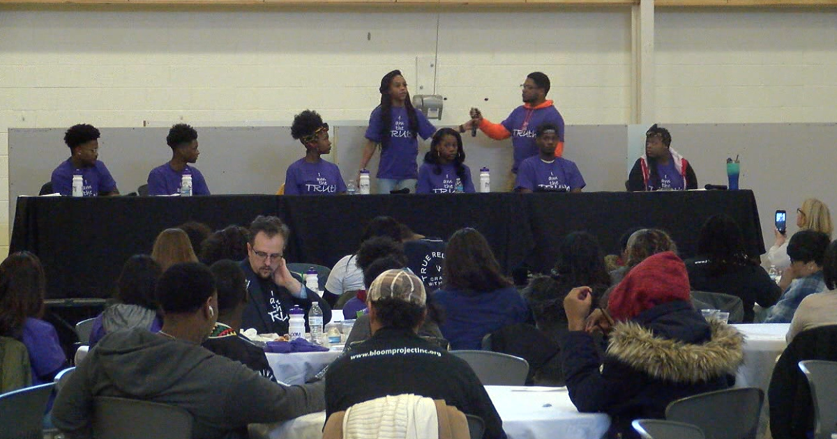 Forum gives young people a chance to discuss ways to make Indy safer