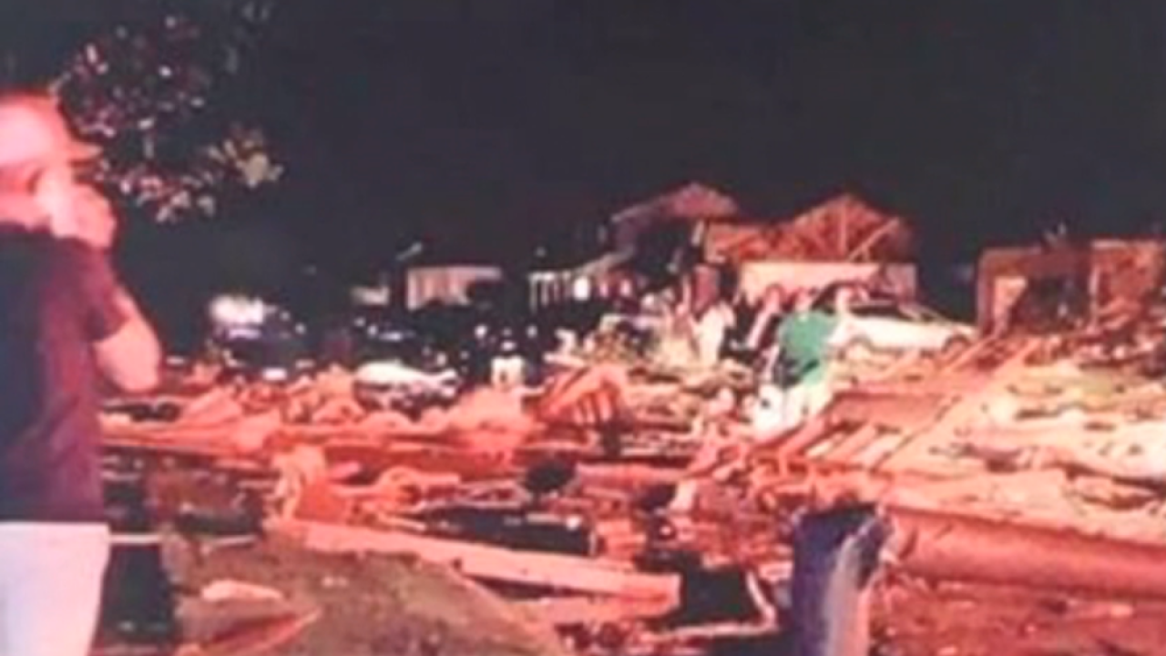 'It looks like this entire neighborhood is destroyed' after severe weather in Ohio