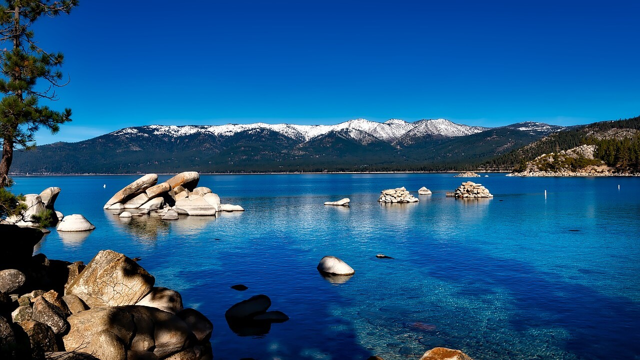 lake-tahoe-1591339_1280.jpg