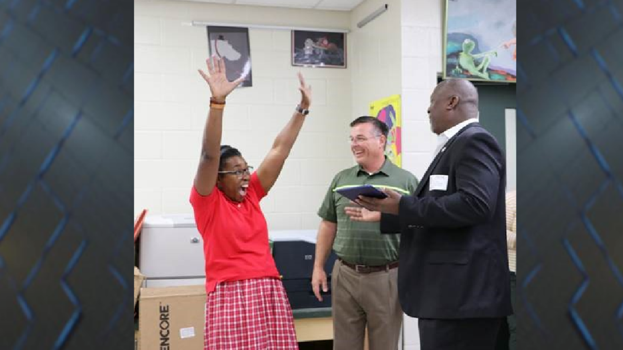 Lincoln High teacher wins $10,000 worth of new technology