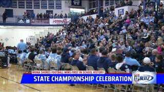 Mona Shores football joins with community for state championshipcelebration