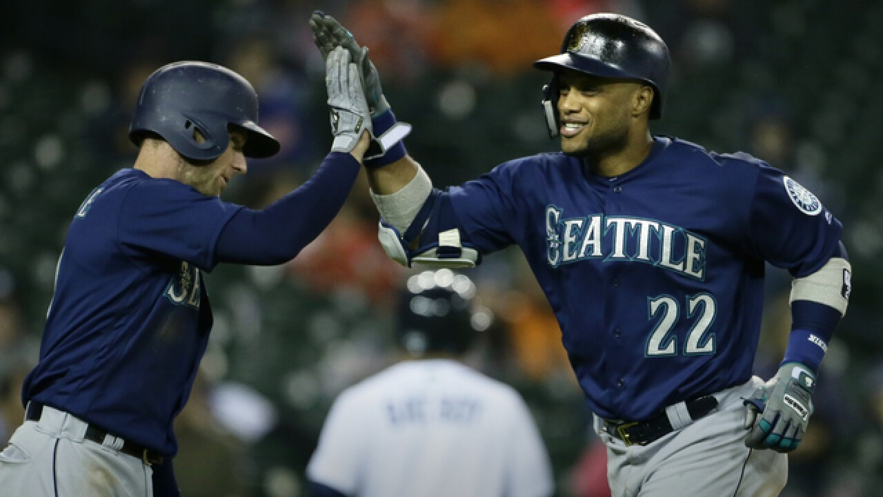 Mariners beat Tigers for doubleheader split