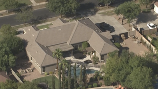 Police: Gilbert 3-year-old girl dies after being left in car for hours