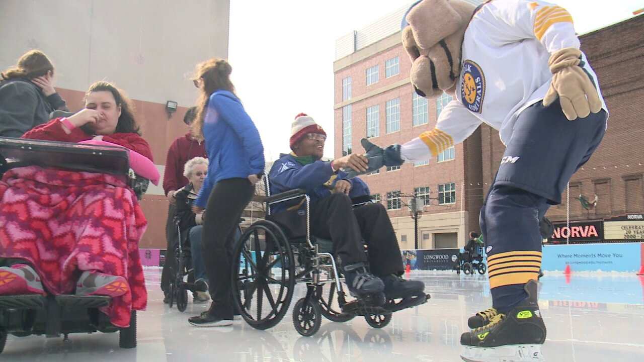 Norfolk Admirals team up with Ability Center of Virginia to form friendships onice