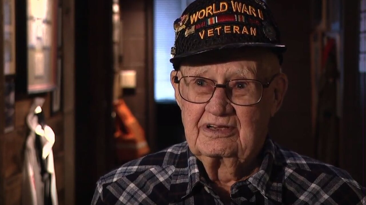 Group helps two veterans see The National WWII Museum