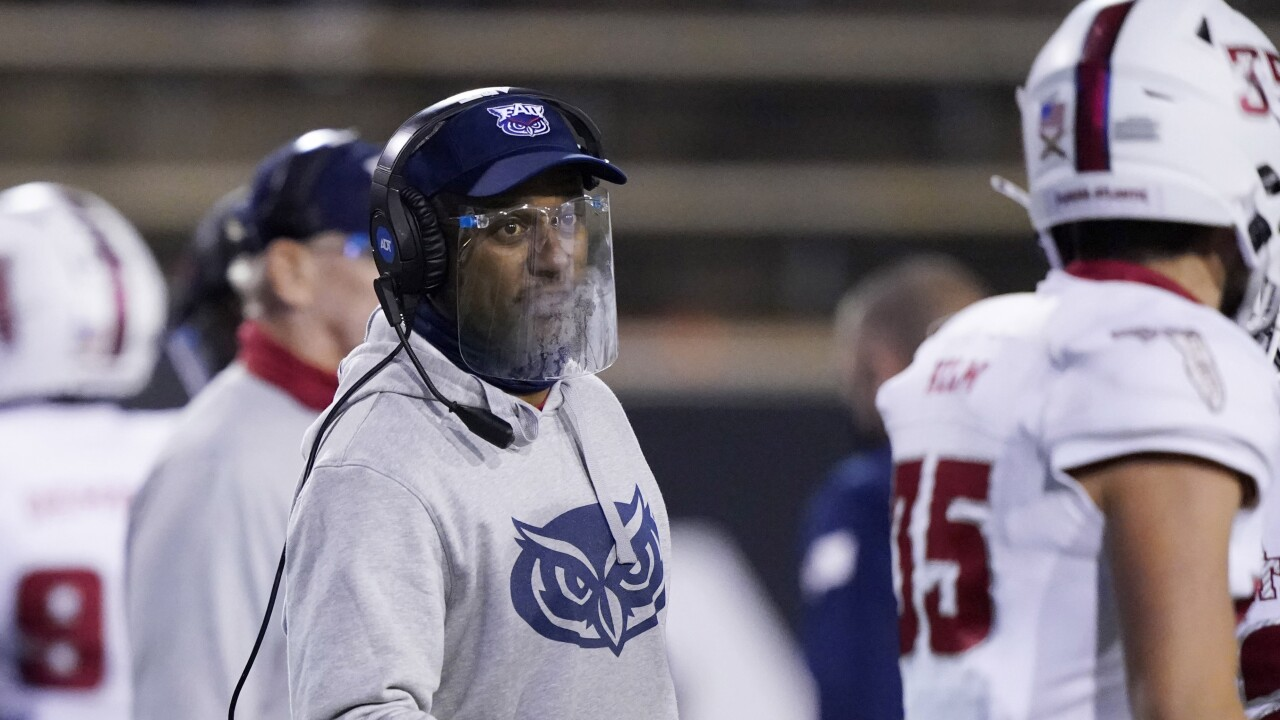 FAU Owls head coach Willie Taggart in December 2020
