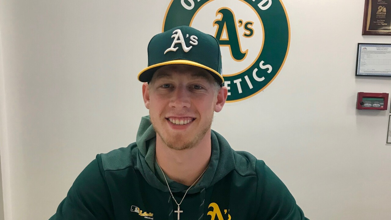 Nathan Patterson signs with Oakland A's