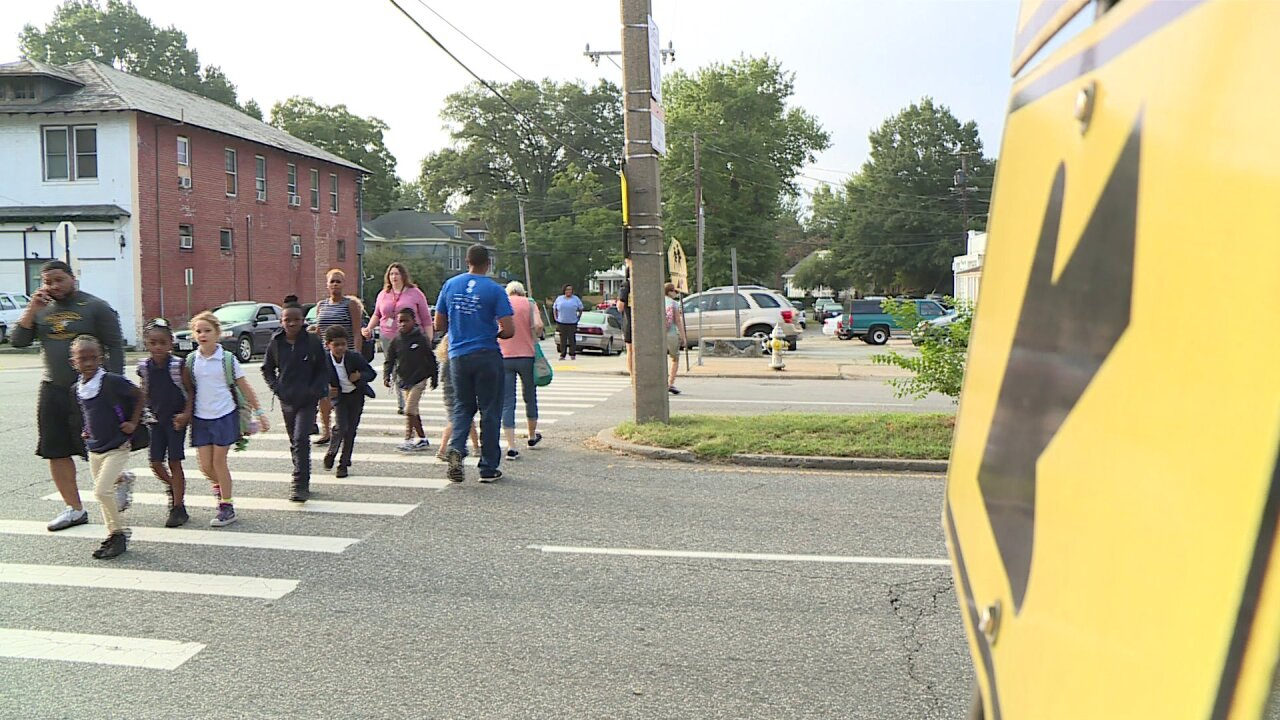 Crossing guard shortage causes concern for parents at Richmond elementary school