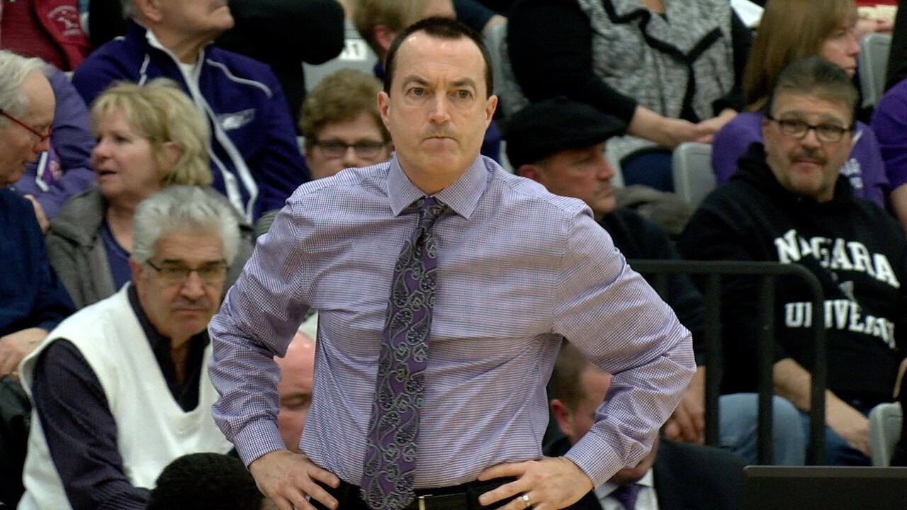 Niagara parts ways with men's basketball coach Chris Casey