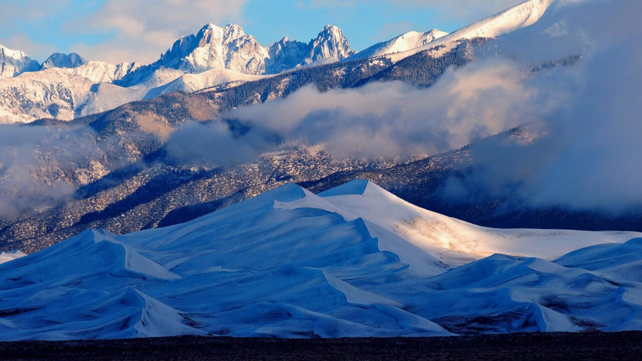Snow on the Great Sand Dunes National Park and Preserve in Winter (12).jpg