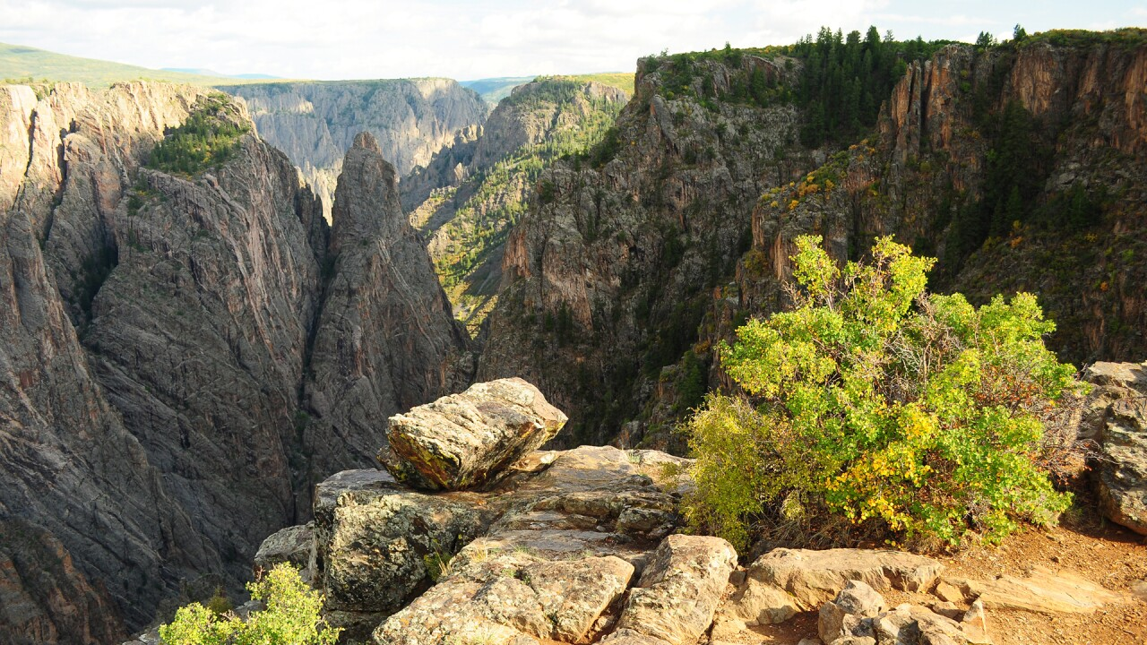 Black Canyon of the Gunnison Cross Fissures Overlook by NPS Zach Schierl.jpg