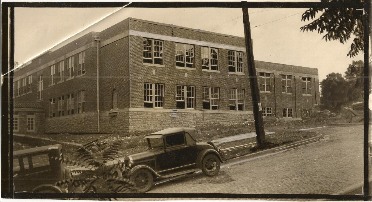 Agt High School 1925.jpg