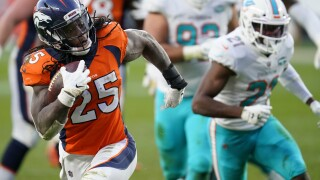 Broncos offense, like diets, works best when balanced