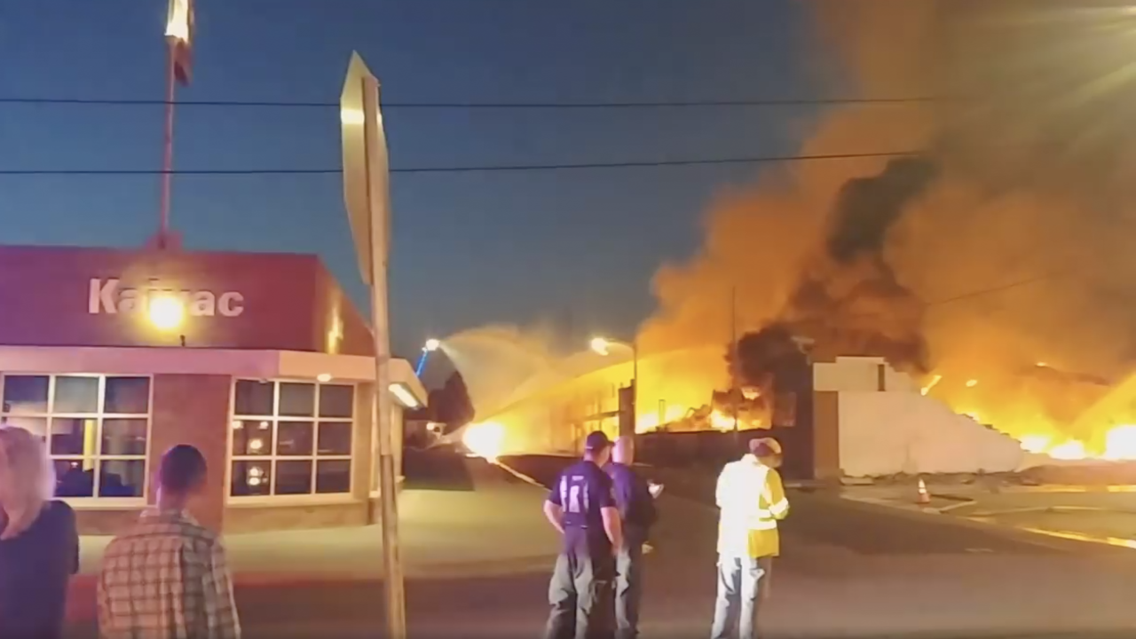 WCPO_warehouse_fire.png
