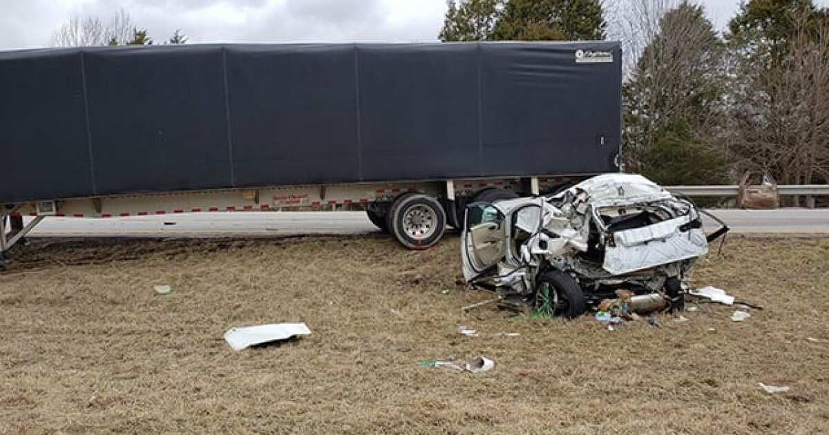 2 Killed In Crash On I-64 Near Frankfort