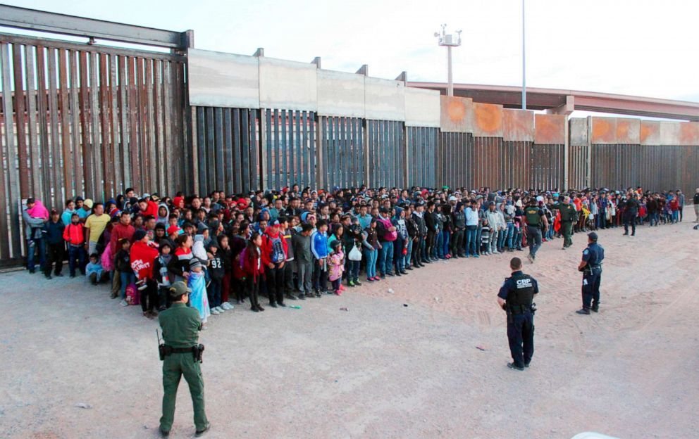 Migrants who crossed the U.S.-Mexico border in El Paso, Texas, the largest that the Border Patrol says it has ever encountered, May 29, 2019 (U.S. Customs and Border Protection via AP)