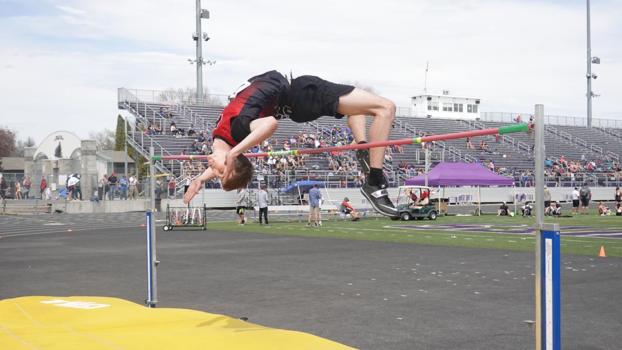 Noah Bouchard High Jump.png
