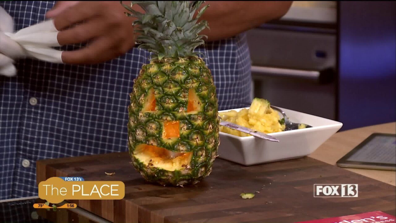 New Halloween trend replaces pumpkin with pineapple, and we try it out!