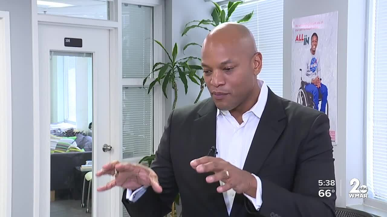 Wes Moore, Robin Hood Foundation CEO, visits Center for Urban Families