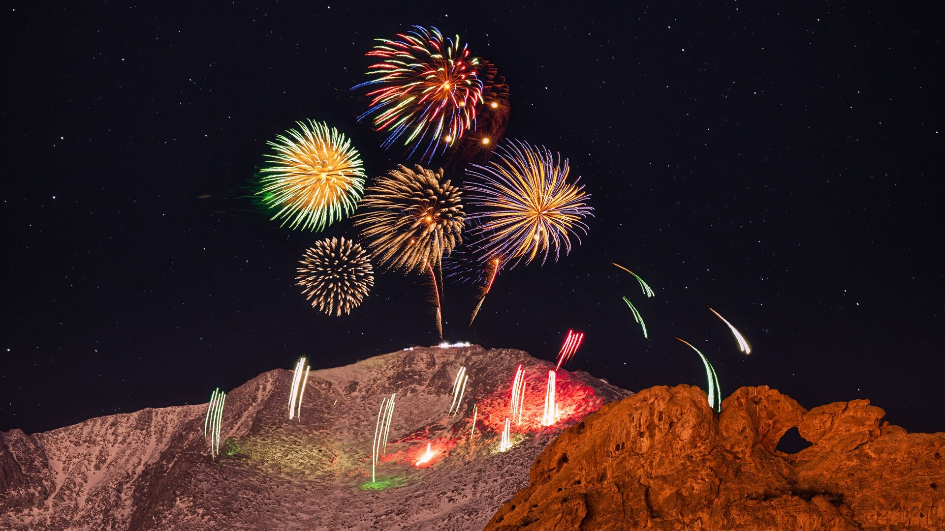 New Years Eve Fireworks on Pikes Peak from Lars Leber  Photography 2.jpg