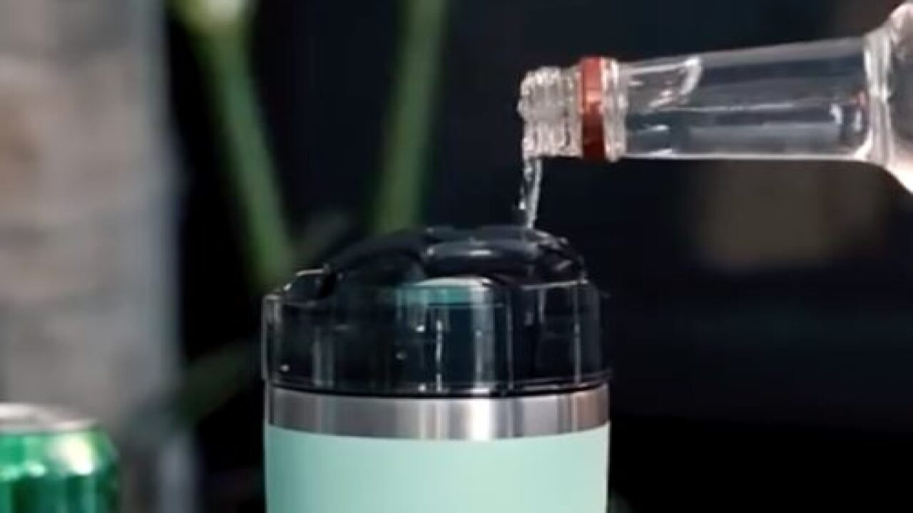 This Nifty Tumbler Add-on Lets You Store Alcohol In The Lid For A Second Drink