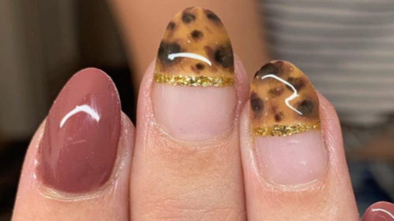 Tortoise Shell Nails Are The Newest Fall Manicure Trend