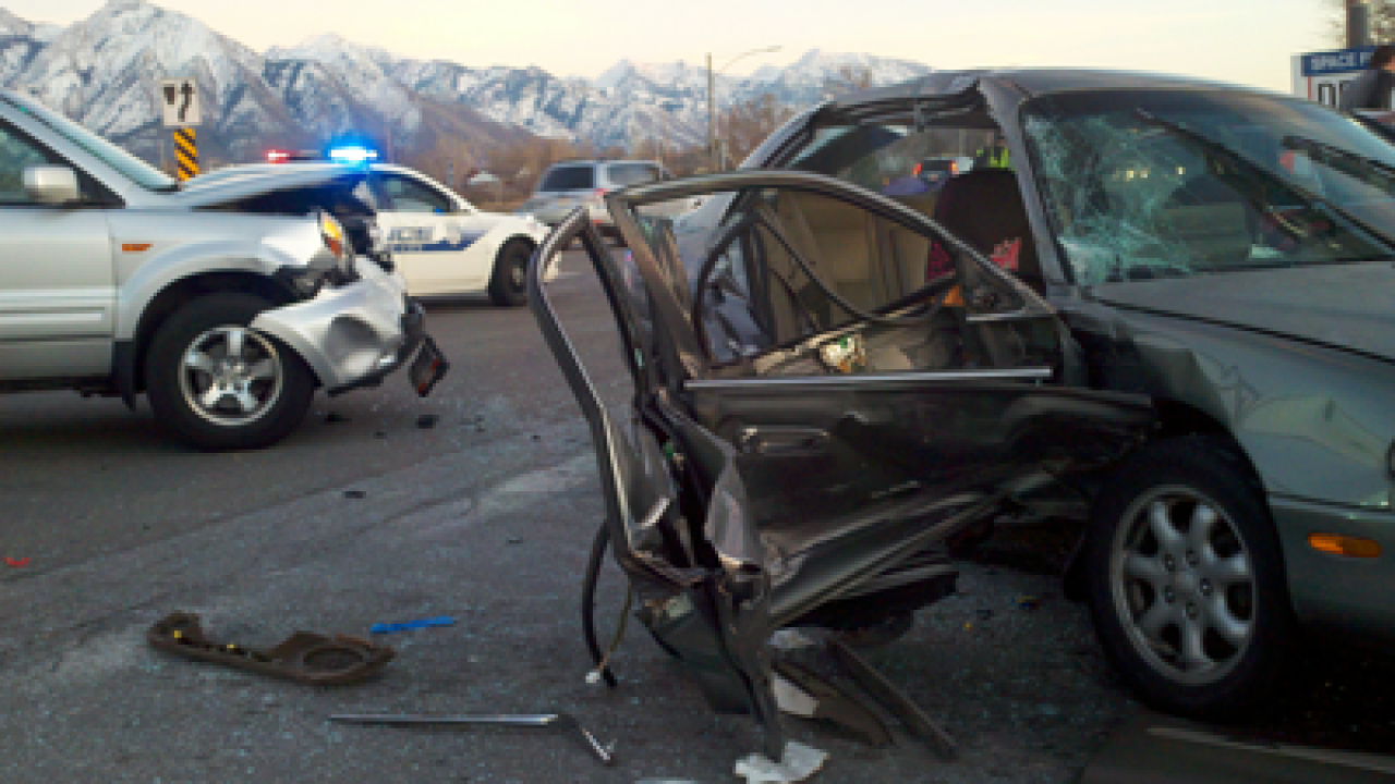 Road closed after 4-car crash in SLC
