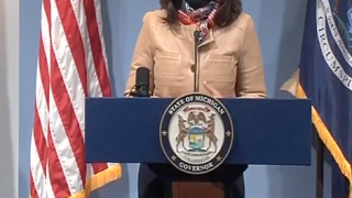 Gov. Whitmer asks Michiganders to stop dining indoors, suspend youth sports for 2 weeks