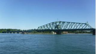 Grosse ile Parkway bridge