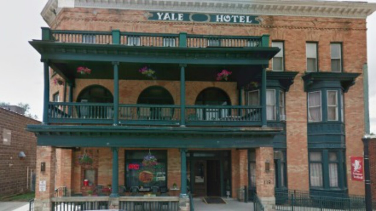 Michigan hotel offers free accommodations for anyone traveling for abortion