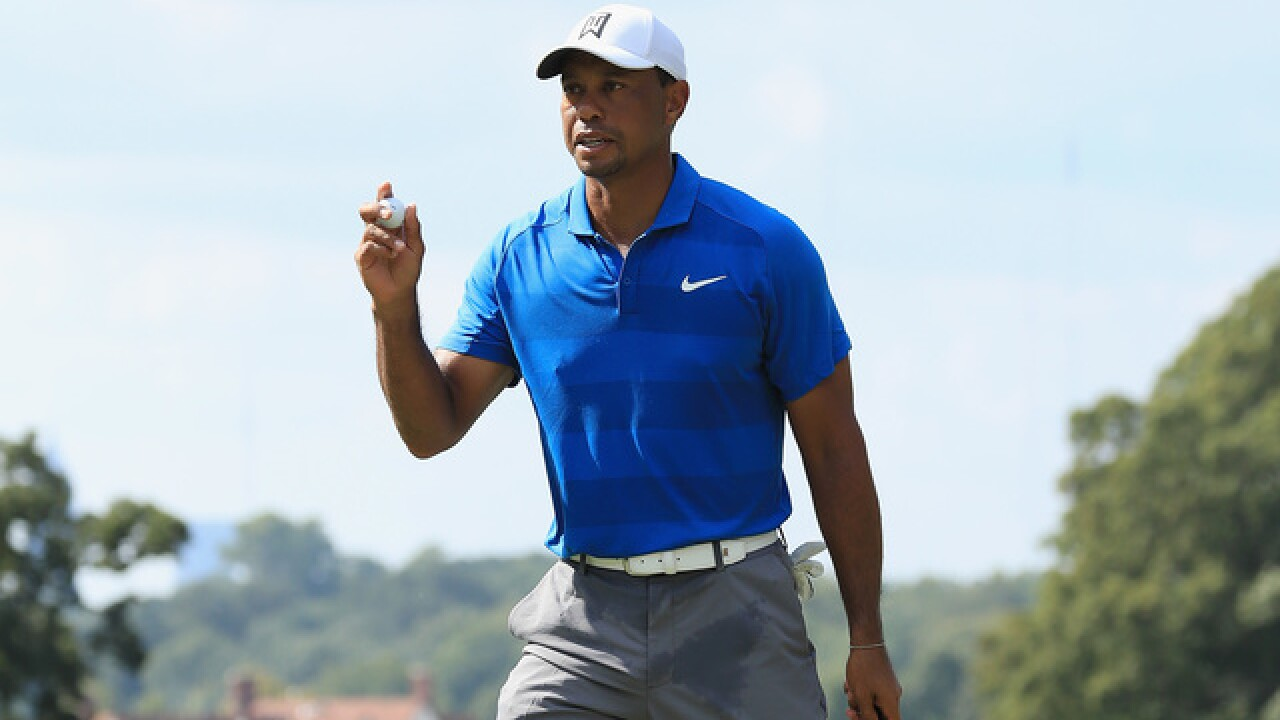 Tiger Woods with 3-shot lead and 1 round away from winning