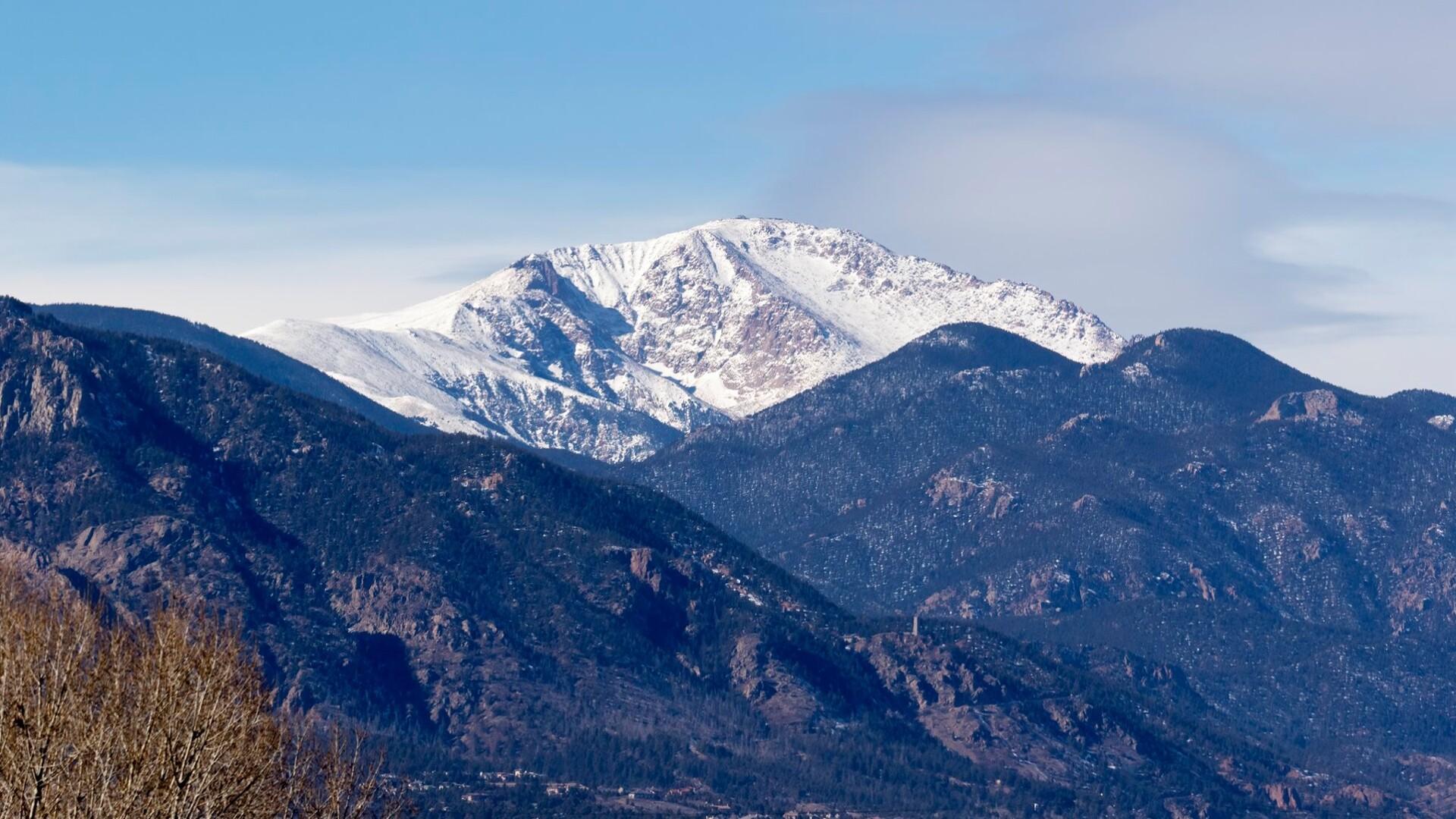 Pikes Peak Larry Marr.jpg