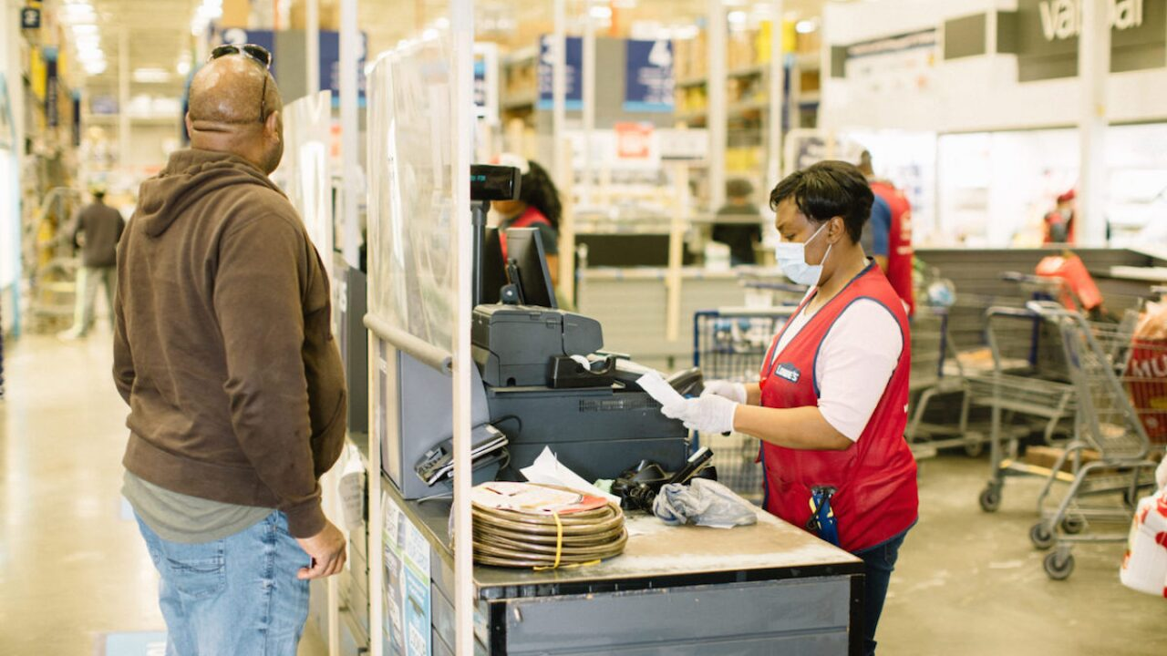 Lowe's gives $80 million in bonuses to employees during pandemic