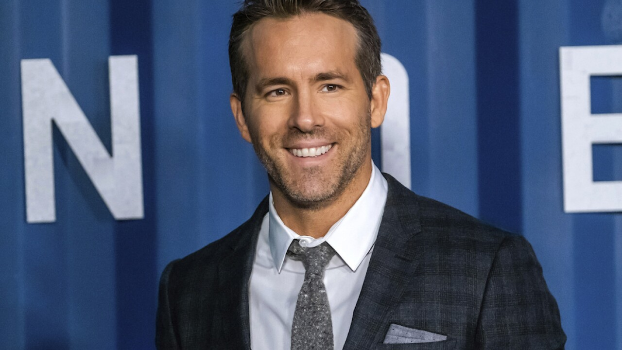 Actor Ryan Reynolds offers $5,000 reward for woman's missing teddy bear