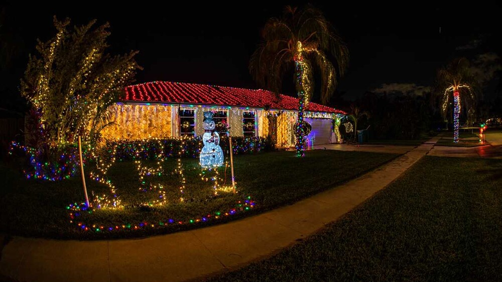 WPTV-CHRISTMAS-HOUSE-2.jpg