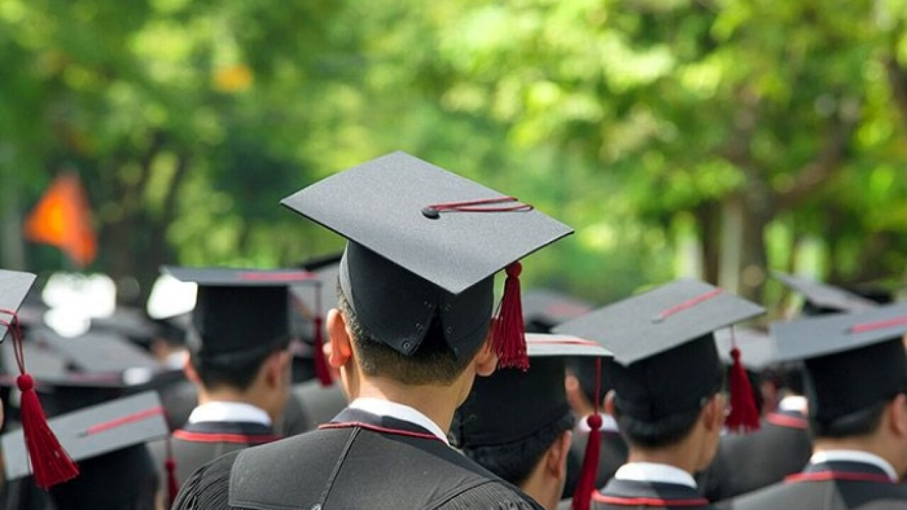 Record number of students get bachelor's degrees in Virginia