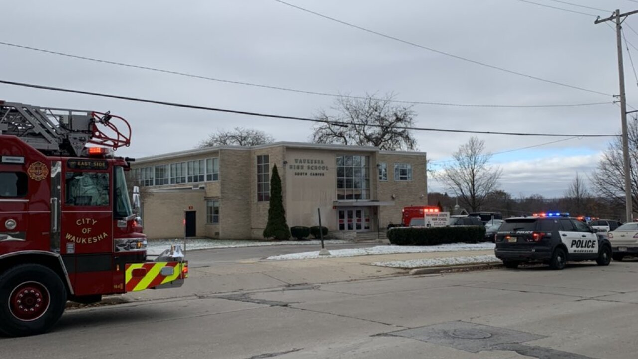 Student, resource officer exchange gunfire at Wisconsin high school; student injured