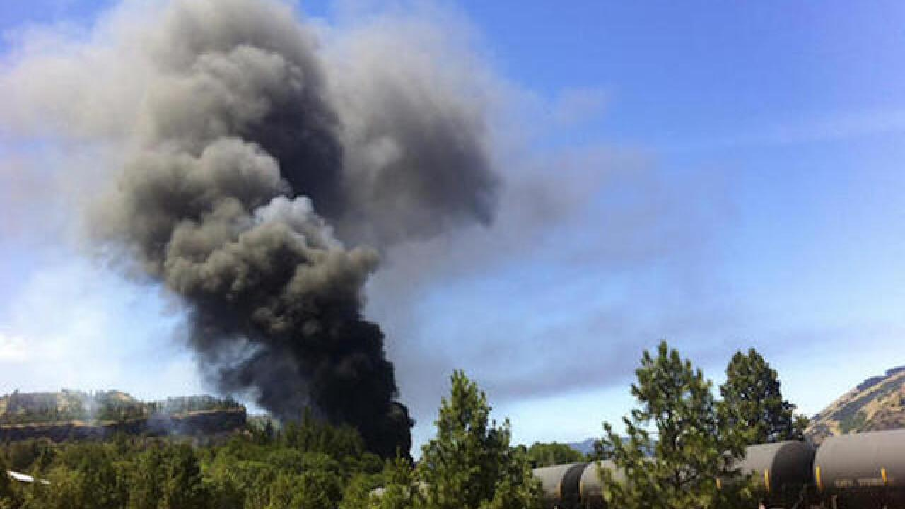 Oregon train derailment spills oil, sparks fire