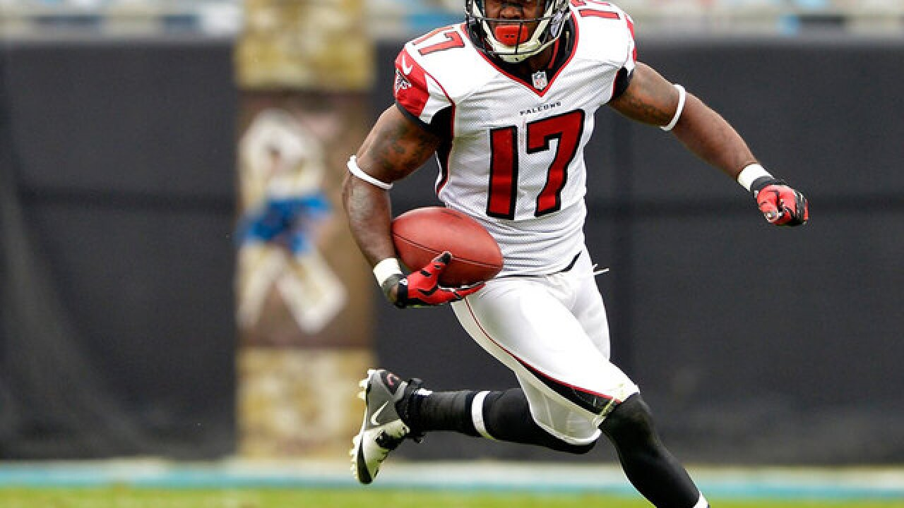 Kick return ace Devin Hester retires from NFL