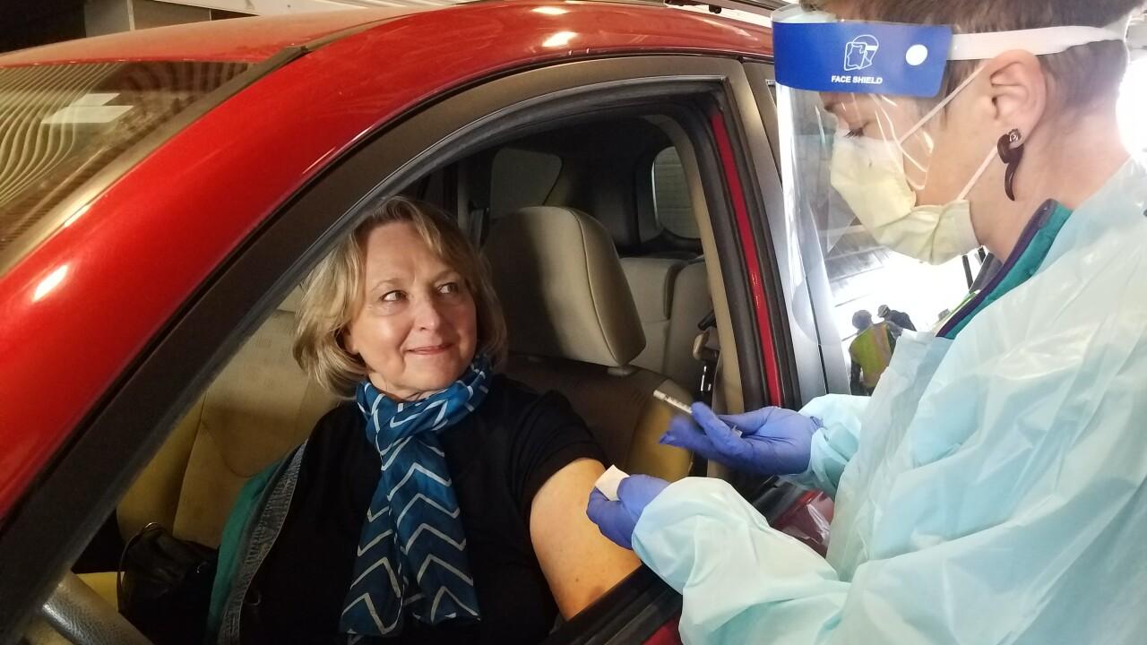 Judy Harris receives COVID-19 vaccine