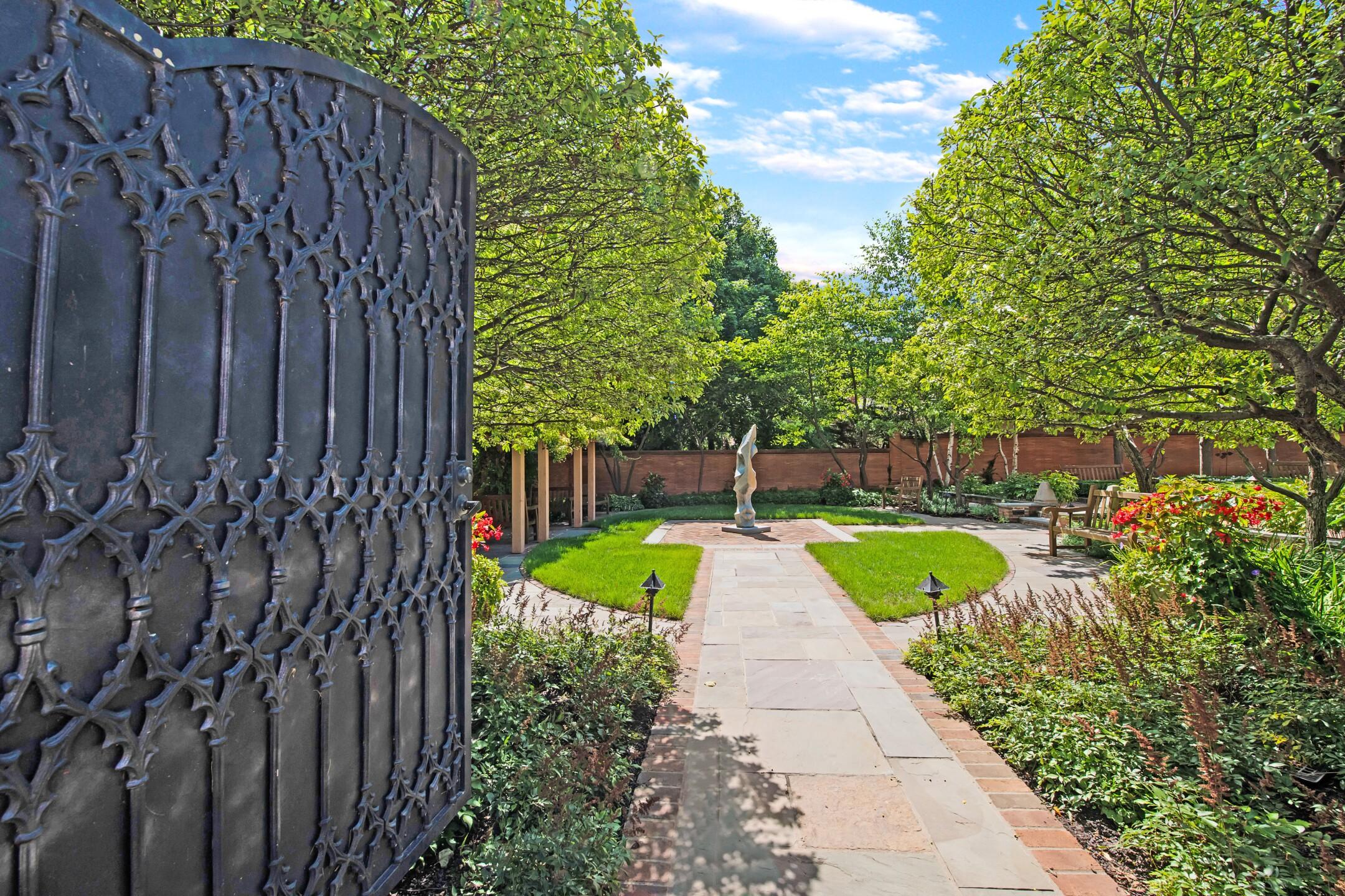 3) Entry to Gardens.jpg