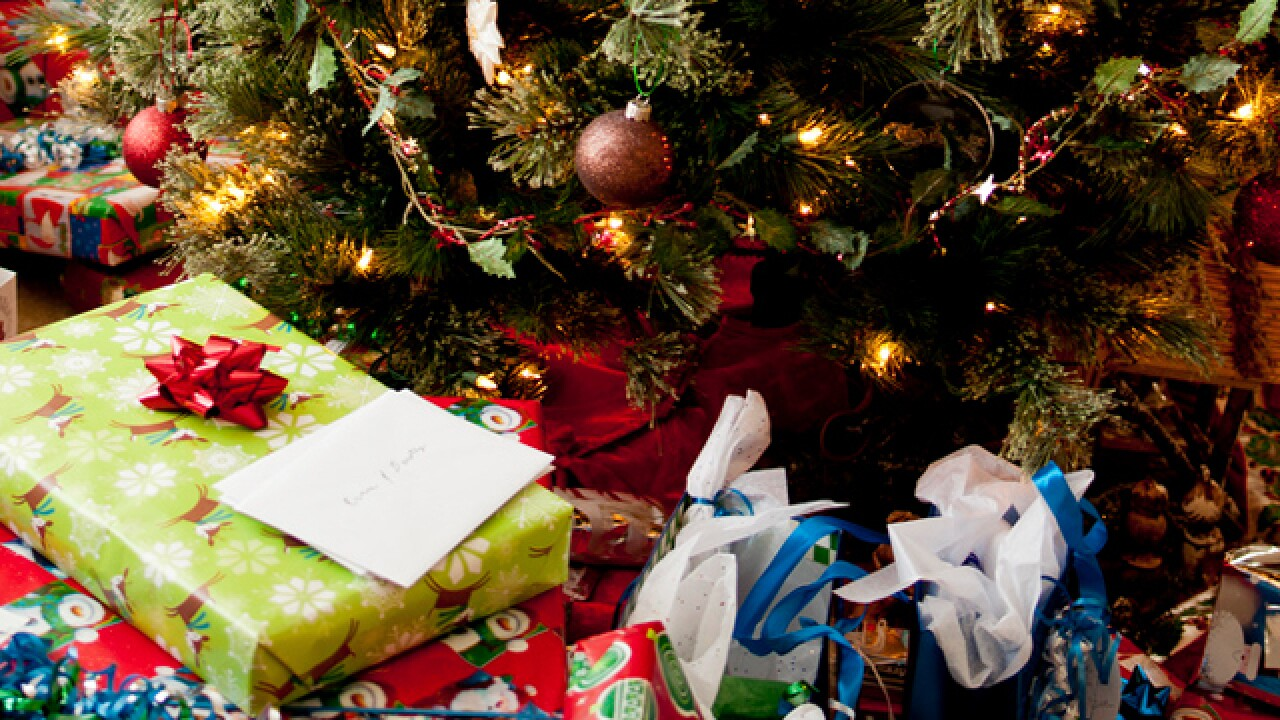 Christmas Gifts For Families.Inter Parish Ministry In Newtown Providing 325 Families With