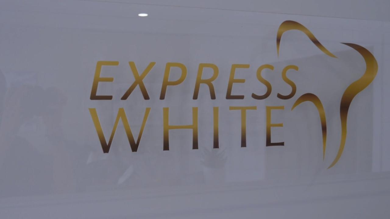 expresswhitesign.PNG
