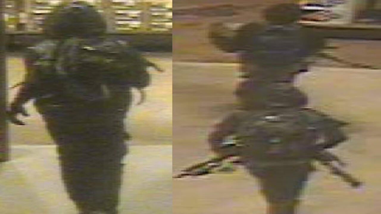 Thieves hit Bass Pro Shops in Denver