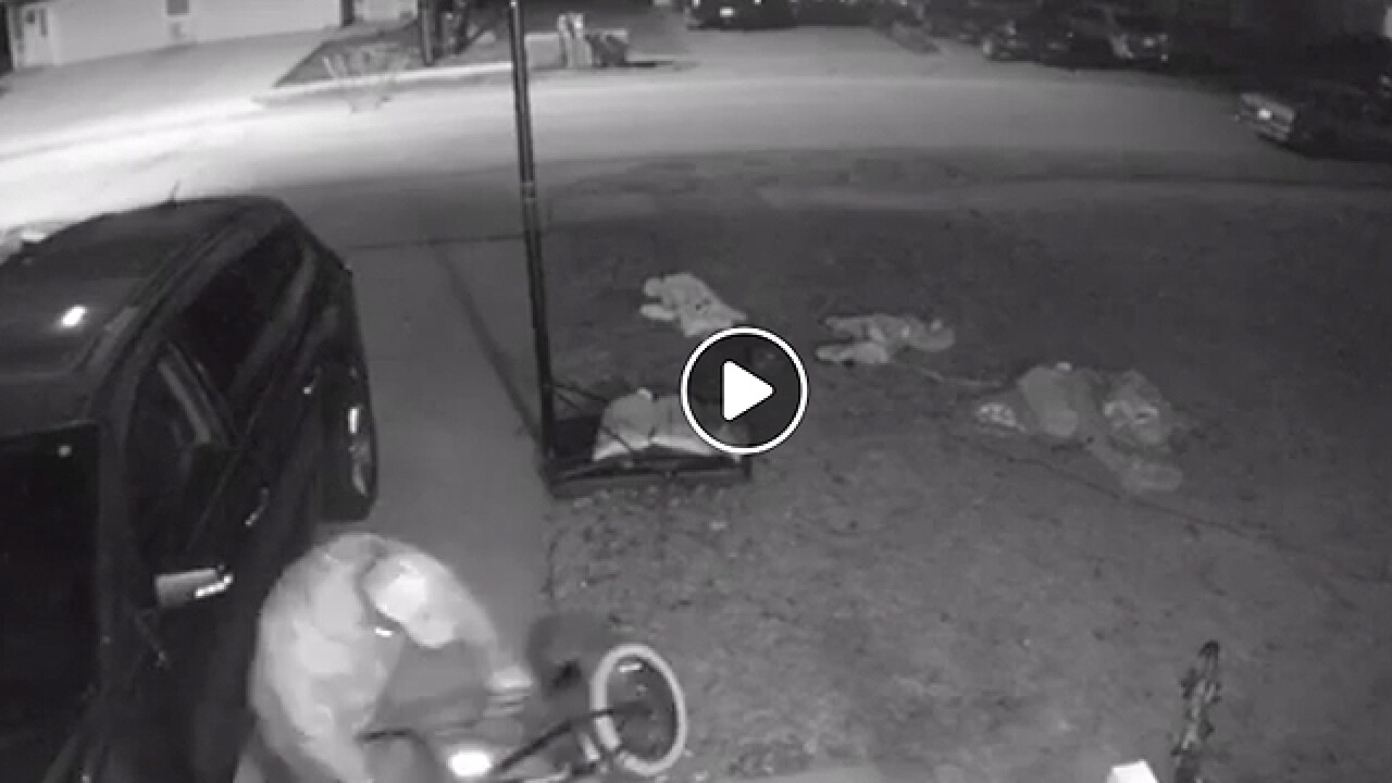 Video catches man stealing kids bike